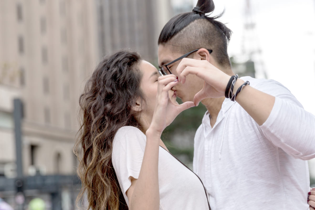愛し合うカップル