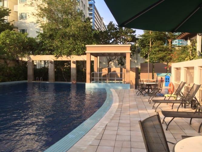 シンガポールのリゾキャバの寮はプール付き