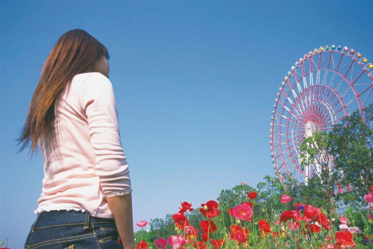 公園と女性