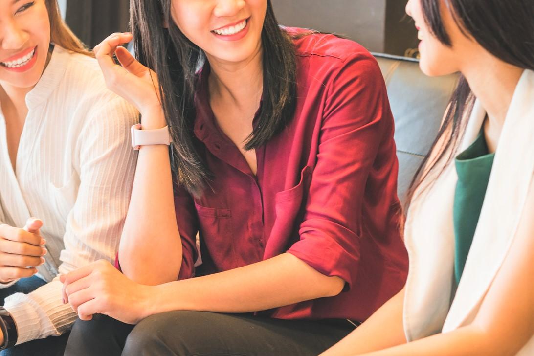 女性同士の会話