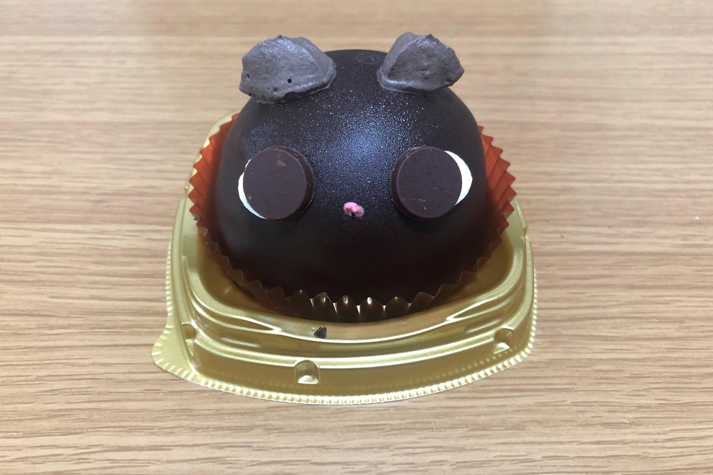 黒猫ザッハトルテ