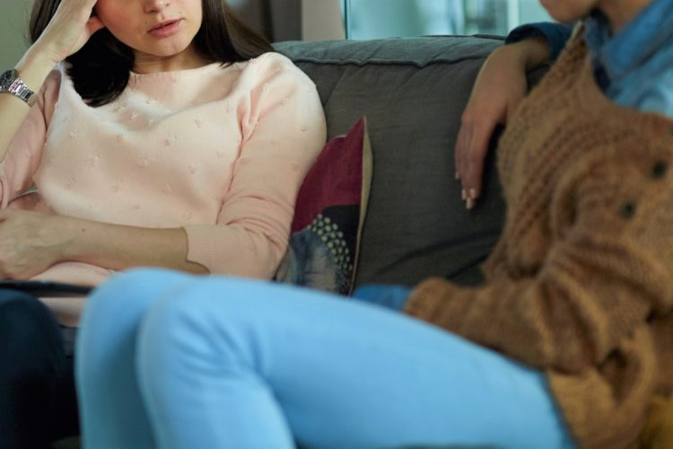 女性の会話